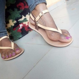 Dee N Ell Triangle Sandals