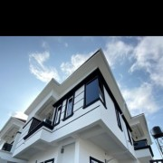 5 bedroom fully detached house
