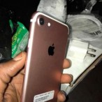 New I Phone 7 32gig Rose Gold