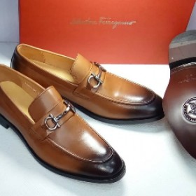 Salvador Feragamo Classy Executive Plain Loafer Brown