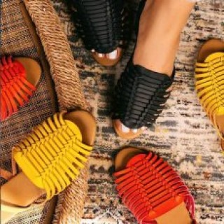 D classy boutique   Designer's Slippers