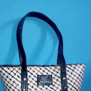 Minaj Creation & Enterprise   Fashion Handbags