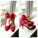 TMT  Red Buckle Cover Heel Shoe.